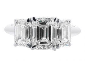 ER-1521-emerald-3-stone