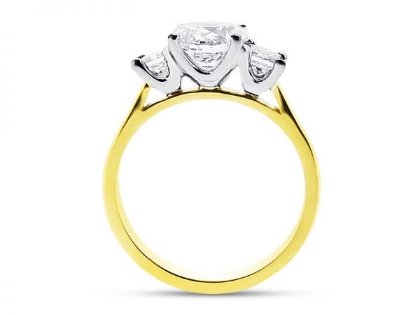 ER 1085 Side round solitaire princess side 3 stone