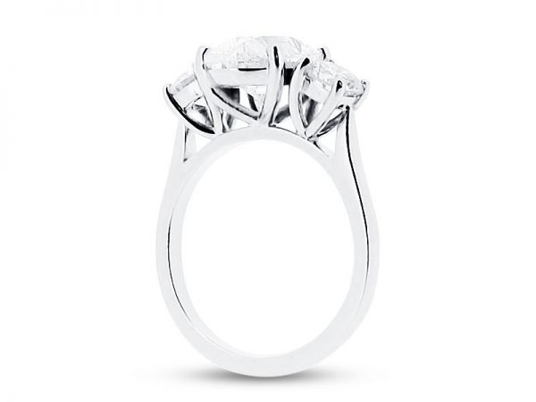 ER 1567 side oval solitaire 3 stone