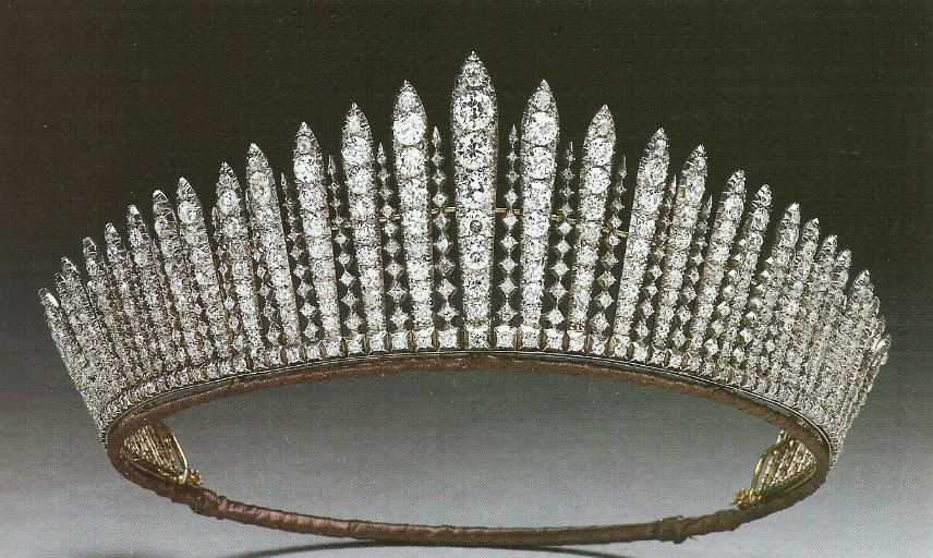 The Queen Mary fringe tiara.